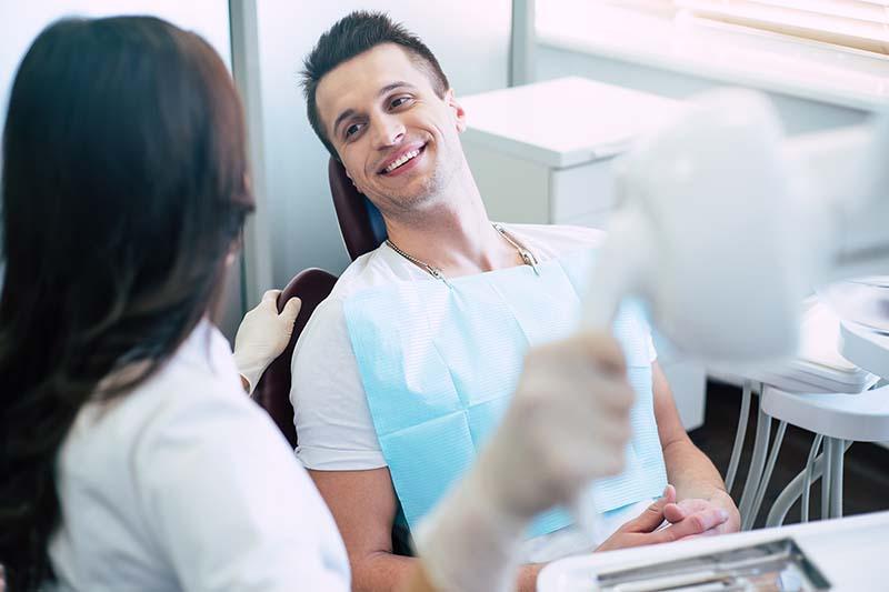 Mit Bindehautentzündung Zum Hausarzt Oder Augenarzt